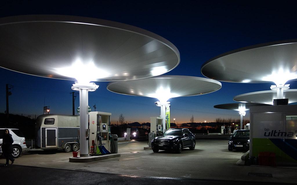station essence sur l 39 autoroute paris lyon laurent berroud flickr. Black Bedroom Furniture Sets. Home Design Ideas