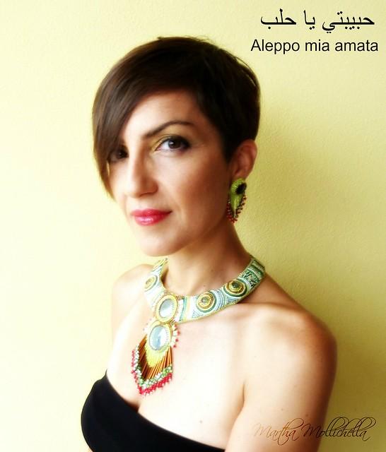 Aleppo collana ricamata a mano con cabochon in ceramica perline e avventurina Martha Mollichella design