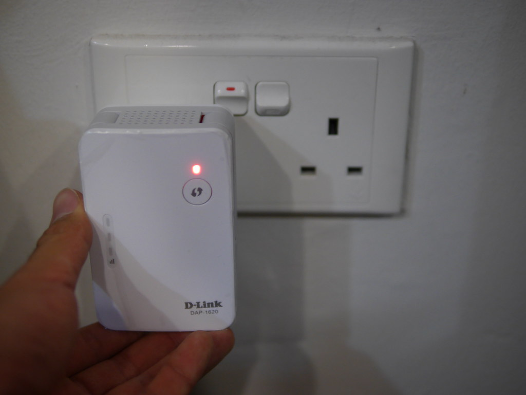 [GIVEAWAY] Multiple Pokestops within your home? You need to get a Wireless Wi-Fi Range Extender! - Alvinology
