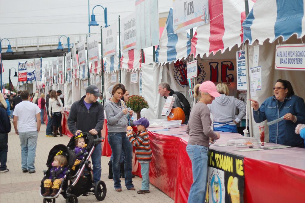 Festival Plaza Food Stall Battle Table