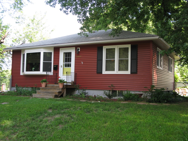 New Red Siding And Windows Red D 4 Siding White Windows Flickr