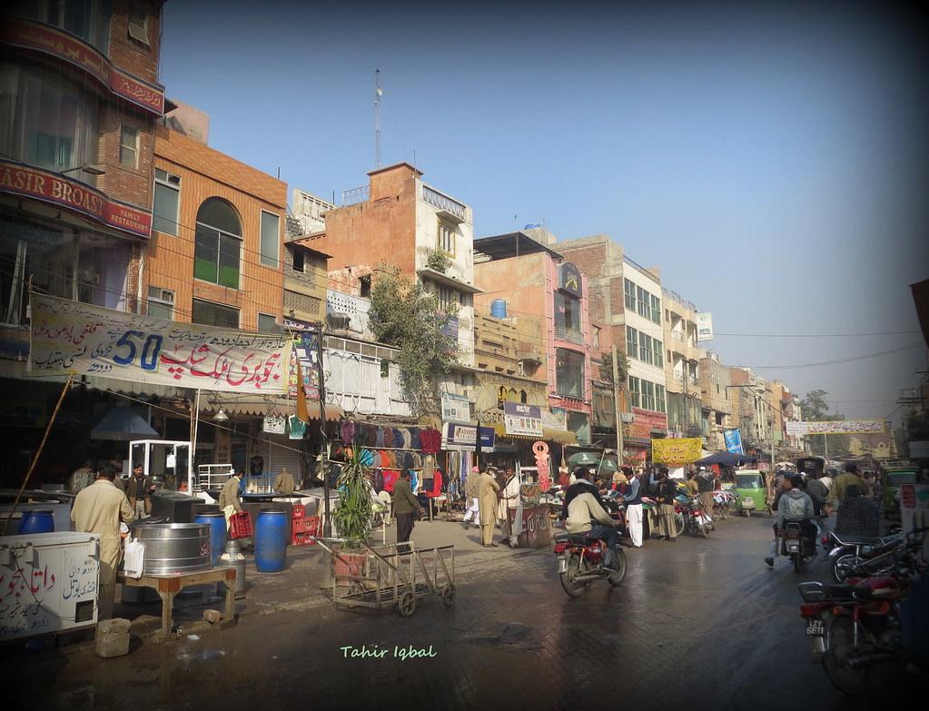 Anarkali bazar lahore punjab tahir iqbal flickr for Bano bazar anarkali lahore