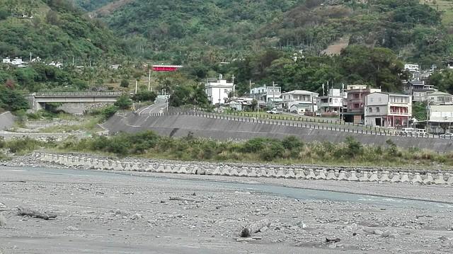 八八後不久即興建好永久性堤防。圖片來源:陳采邑。