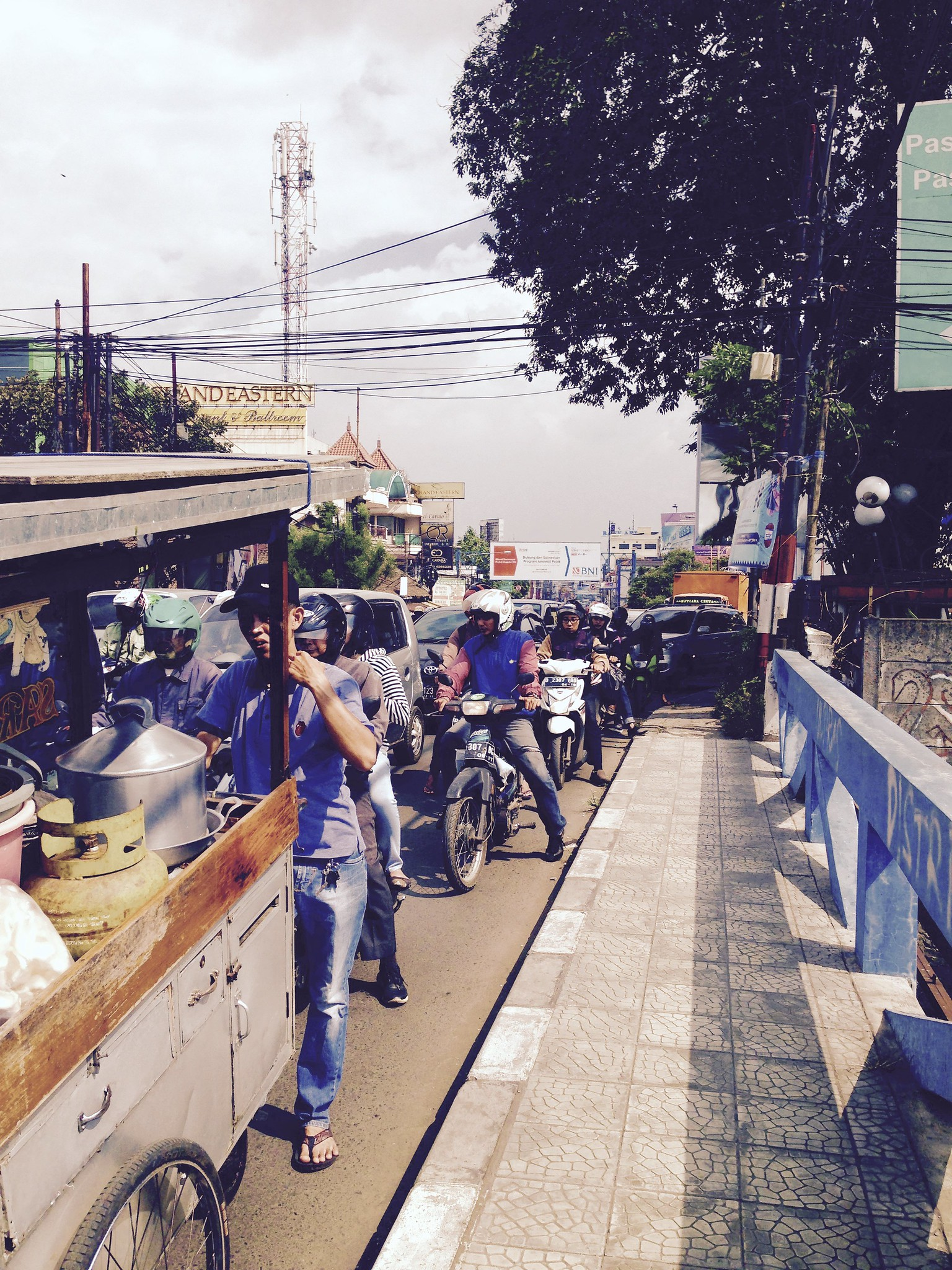 Street peddler, Bandung