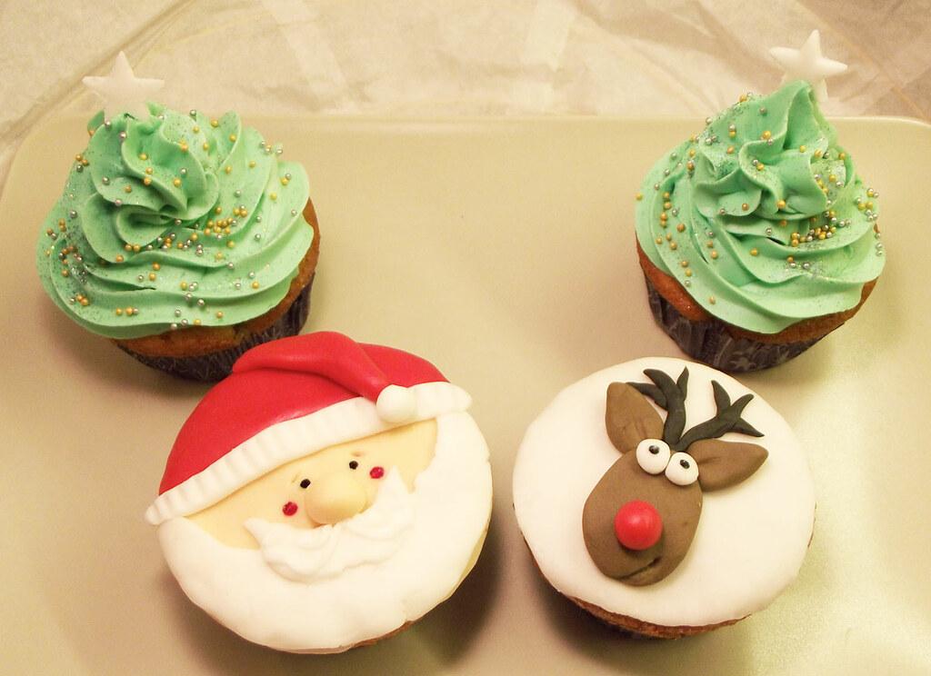 weihnachts cupcakes rezept auf. Black Bedroom Furniture Sets. Home Design Ideas
