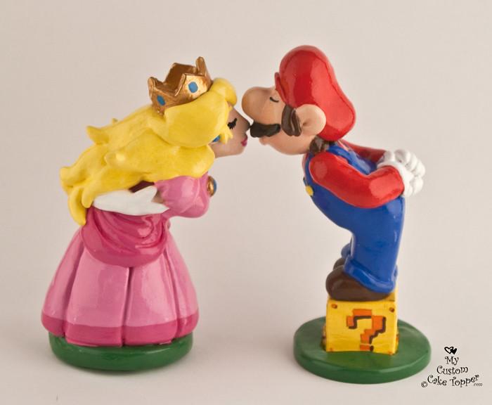 Princess Peach Wedding Cake Topper
