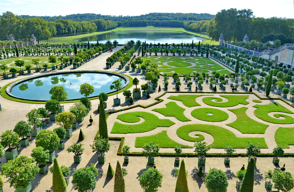 Les parterres de versailles 3 another lovely parterre for Parterre 3d