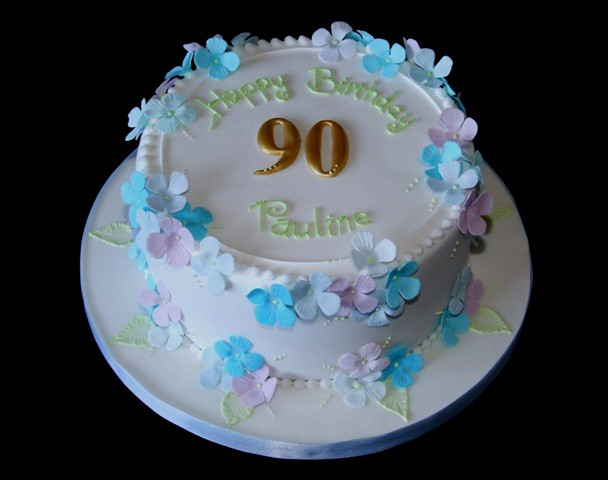 Hydrangea Birthday Cake Sponge Cake For A Lady S 90th