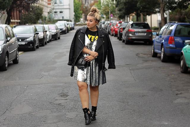 outfit-look-style-modeblog-fashionblog-pailettenkleid-über-shirt-zara-top-balenciaga-boots4