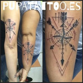 Tatuaje flechas rosa de los vientos pupa tattoo granada for Pros and cons of getting a tattoo