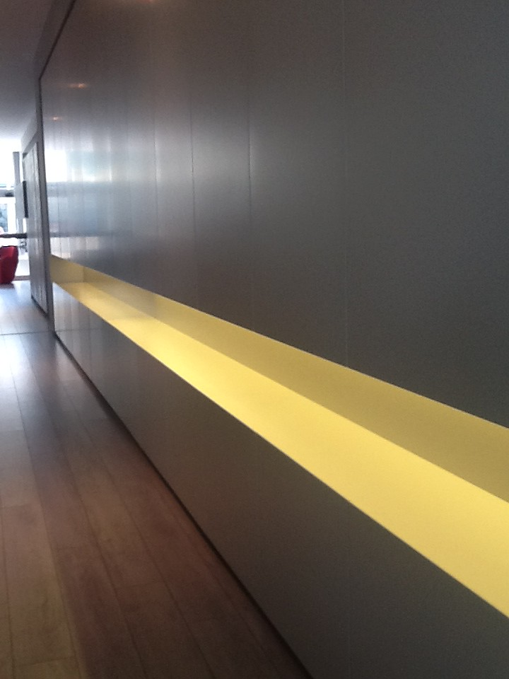Custom Made Kitchen Bar With Silining Lights