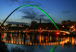 Newcastle's millenium bridge to Gateshead. | by Peter J. Ham.