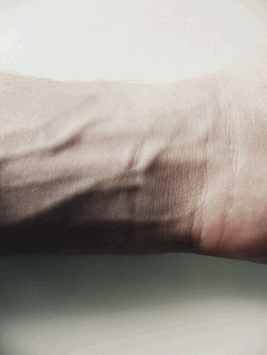 how to get veins to show on arms