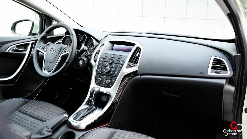 2013 - Opel Astra GTC interior.jpg | Carbon Octane | Flickr