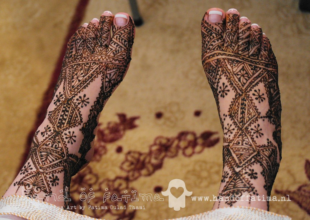 Moroccan Mehndi Patterns : Moroccan bridal feet henna design for traditional
