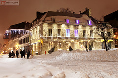 Lot of snow in Place Jacques Cartier - Old Montreal