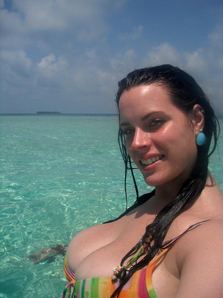 Caribbean nude beach sex with fan helenascockquest com - 2 part 5