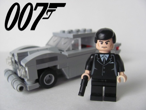 lego james bond 007 and the aston martin db5 1 mike. Black Bedroom Furniture Sets. Home Design Ideas