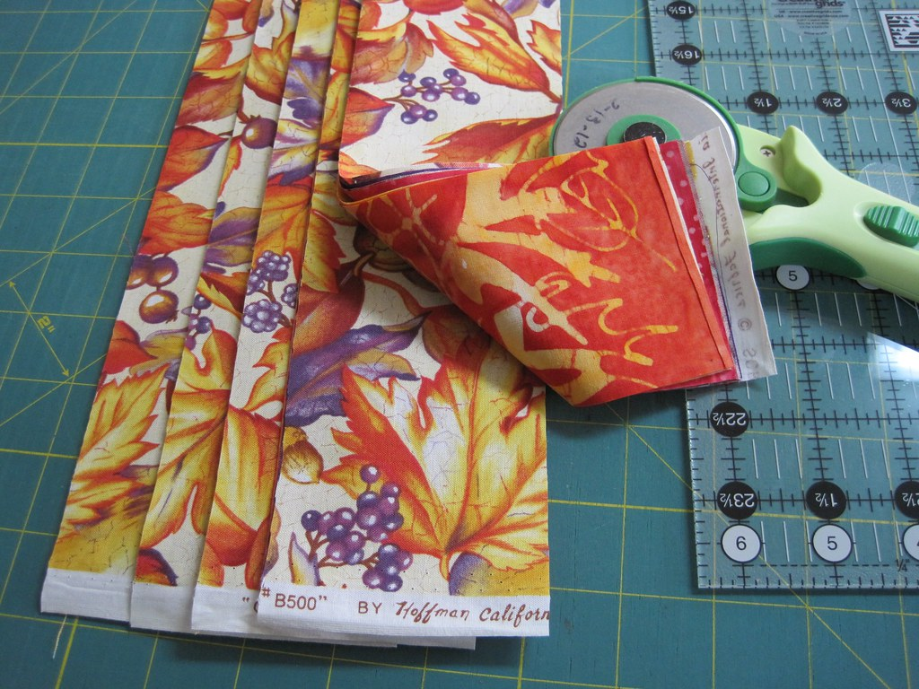 Mini Trip Quilt Tutorial 02 A Stack Of 3 Strips Cut Fro Flickr
