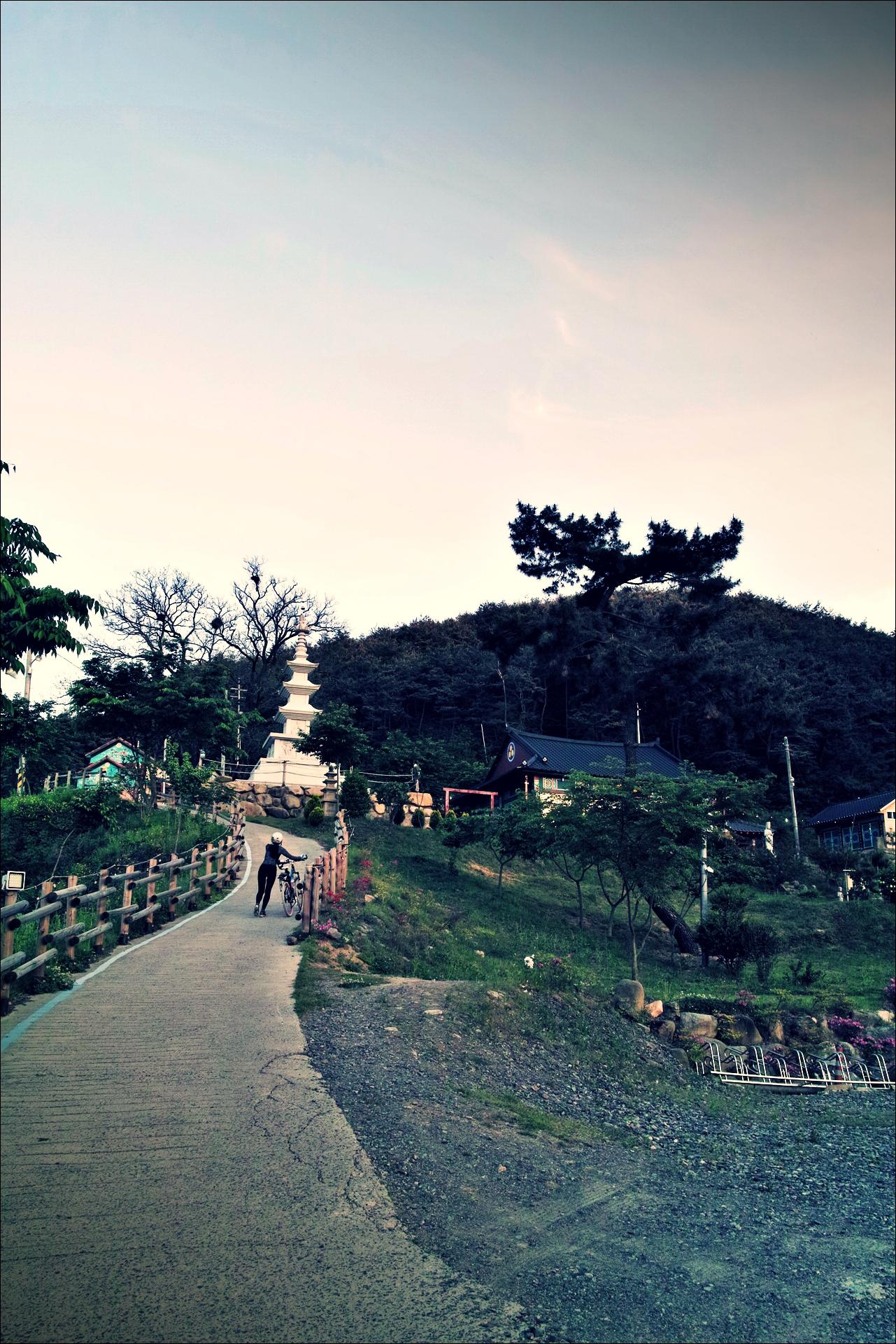무심사 언덕-'낙동강 자전거 종주여행'