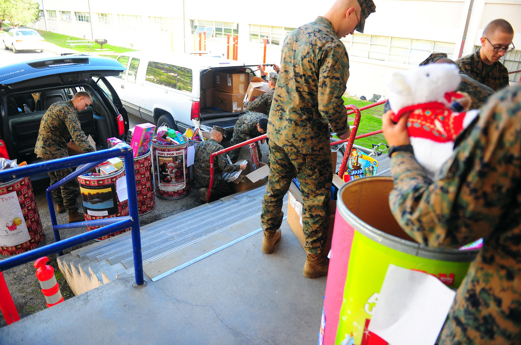 Toys For Tots Marines Wv : Marines deliver toys for tots presidio of monterey