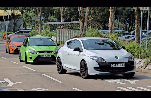 renault megane rs ford focus rs check out we cars www. Black Bedroom Furniture Sets. Home Design Ideas