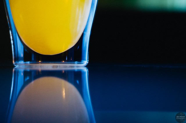 beverage color affects taste perception orange juice