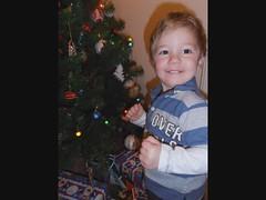 CHRISTMAS TREE by atipapa