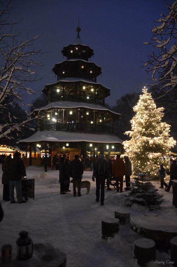 Weihnachtsmarkt Am Chinesischen Turm.Advent In München Weihnachtsmarkt Am Chinesischen Turm Im Flickr