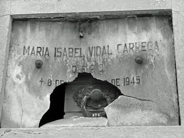 Tumba del cementerio de la Recoleta (Buenos Aires)