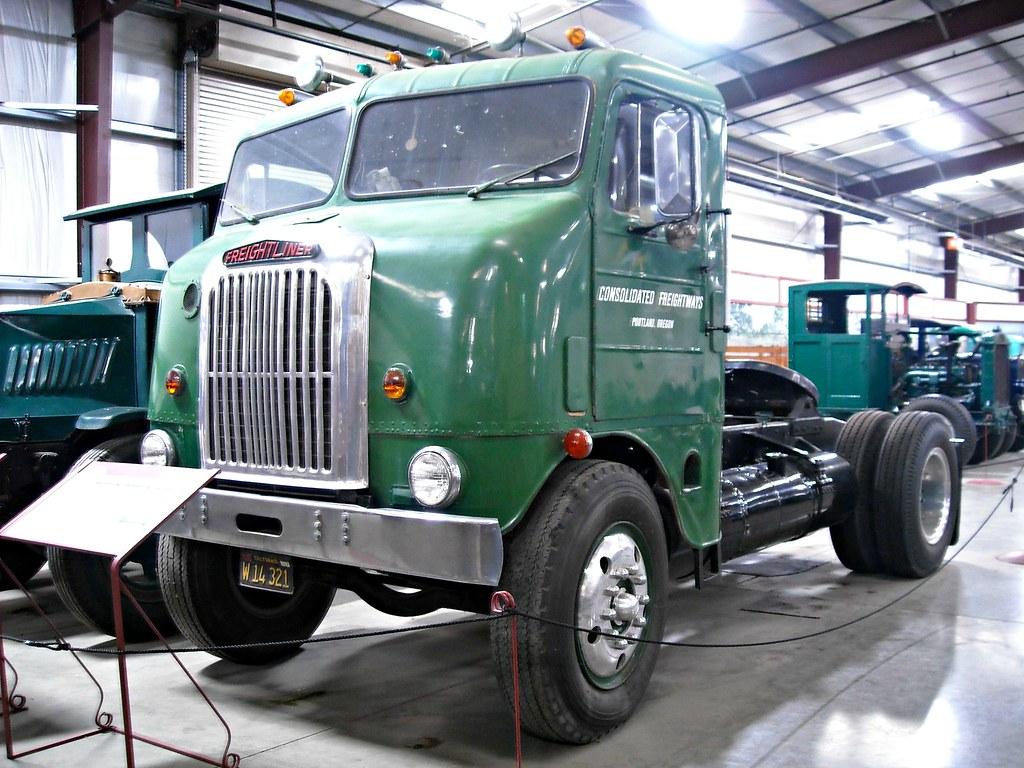 1949 Freightliner C.O.E. WF800 5 Ton Tractor 2 ...