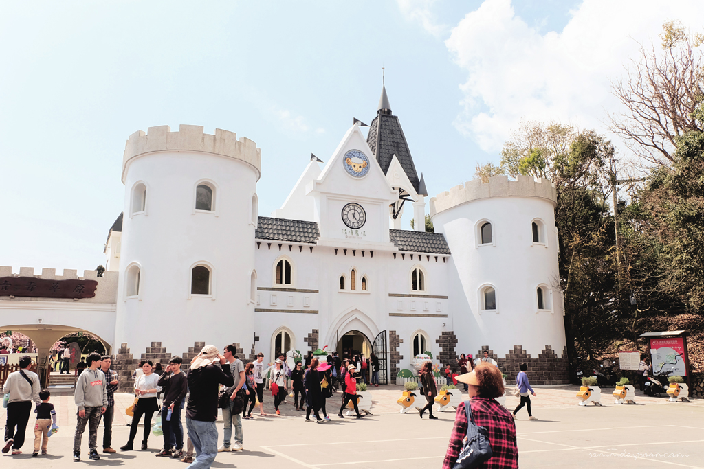 cingjing-farm-castle-entrance-taiwan