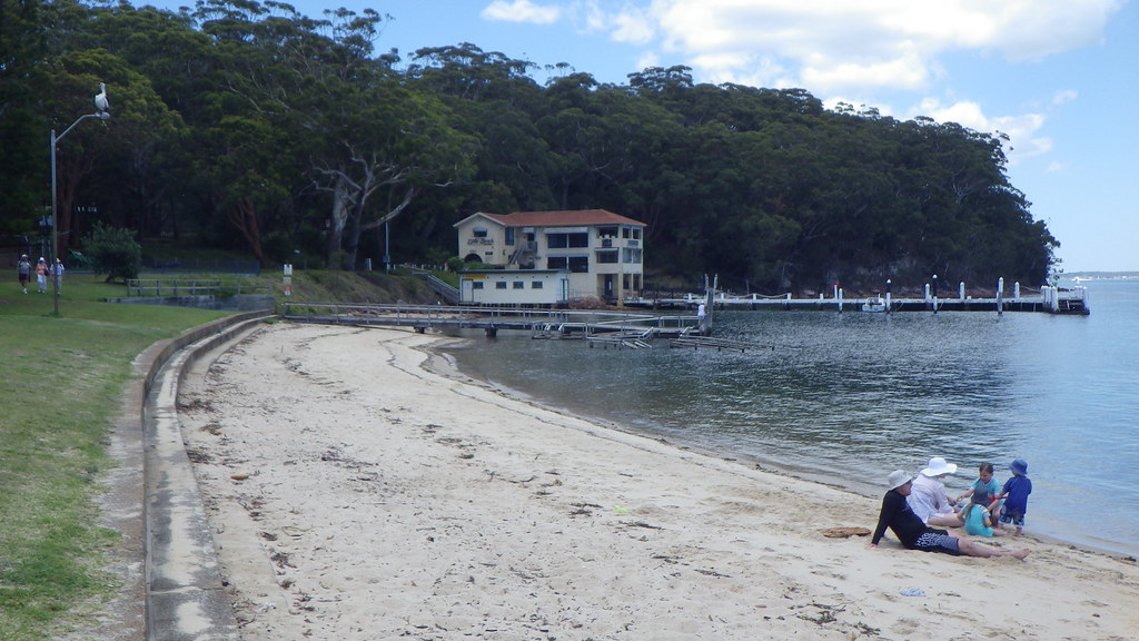 In Port Stephens Following The High Tide 1 Little Beach 2 Flickr