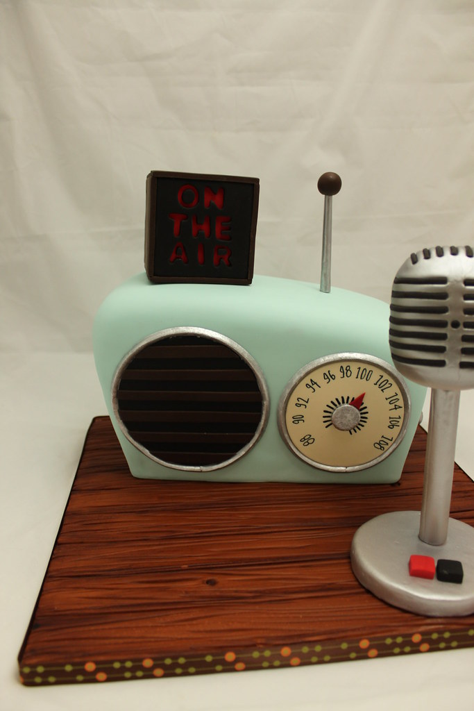 Retro Radio Grooms Cake This Grooms Cake Was Made For My