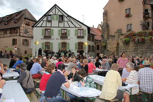 Eguisheim en musique animation de la f flickr - Office de tourisme eguisheim ...