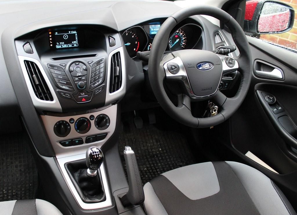 2013 Ford Focus Zetec 1 6 Tdci The Ip Or Instrument