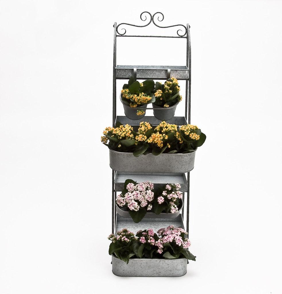 rusta hylla stege ~ stegehylla och blomlådor i zink 01  ensiab  flickr