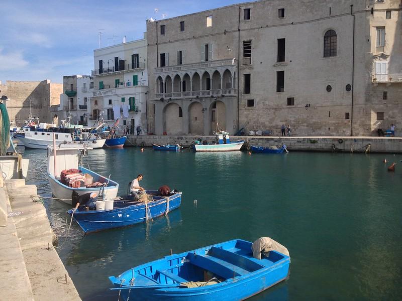 Puglia látnivalói - Monopoli halászkikötő