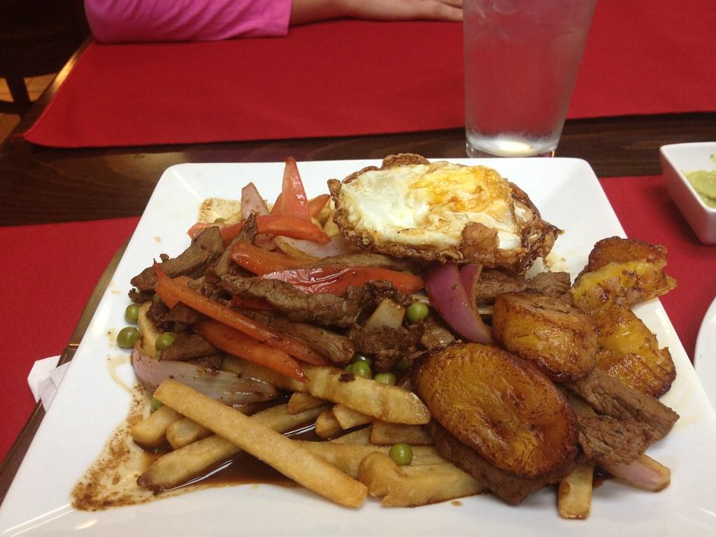 maura's kitchen - nyack, ny | peruvian food - lomo saltado -… | flickr