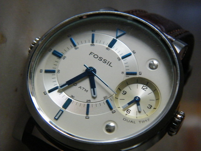 how to change a fossil arkitekt watch battery