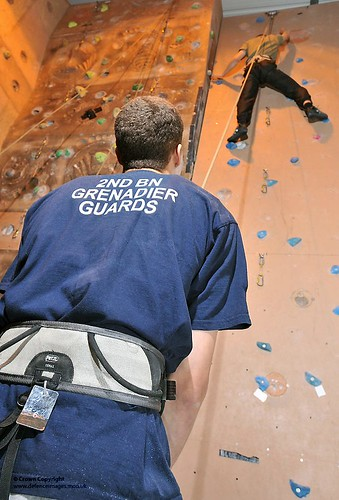 Soldiers Using Indoor Climbing Wall Guardsmen Of The 2nd