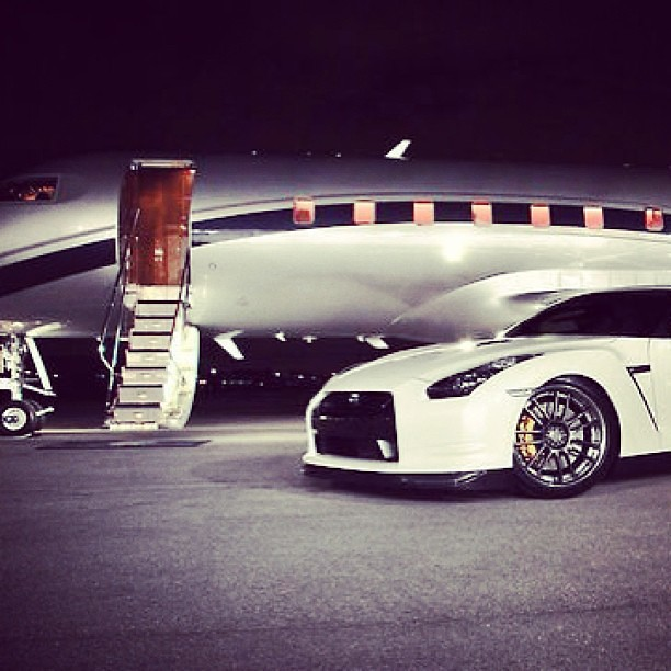 Flightpooling Private Jet Ridesharing Luxury Fashion