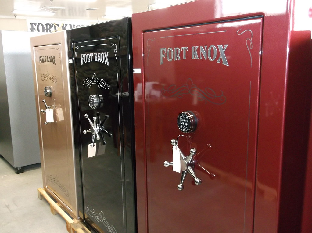 Ft Knox Gun Safes In Red Black And Champagne Ft Knox