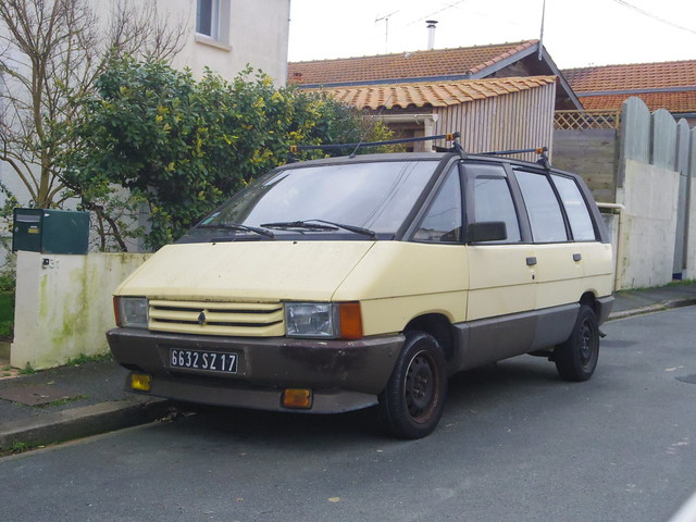 renault espace i de 1988 6632 sz 17 3 f vrier 2013 rue de vautreuil la rochelle flickr. Black Bedroom Furniture Sets. Home Design Ideas