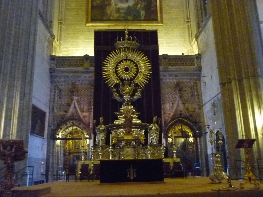 Sevilla catedral interior catedral de estilo g tico s flickr - Catedral de sevilla interior ...