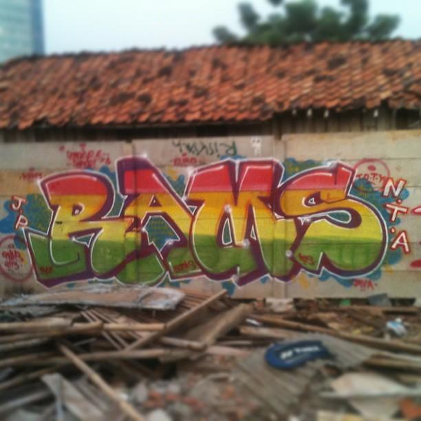 iron lion zion #graffiti #streetart #jakarta #rasta #typo ...
