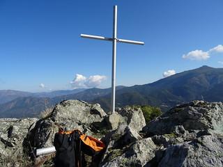 Depuis le sommet de Ripale : la croix du sommet