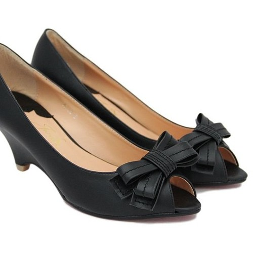 Stylish Clothes Style With Black Shoes For Girls