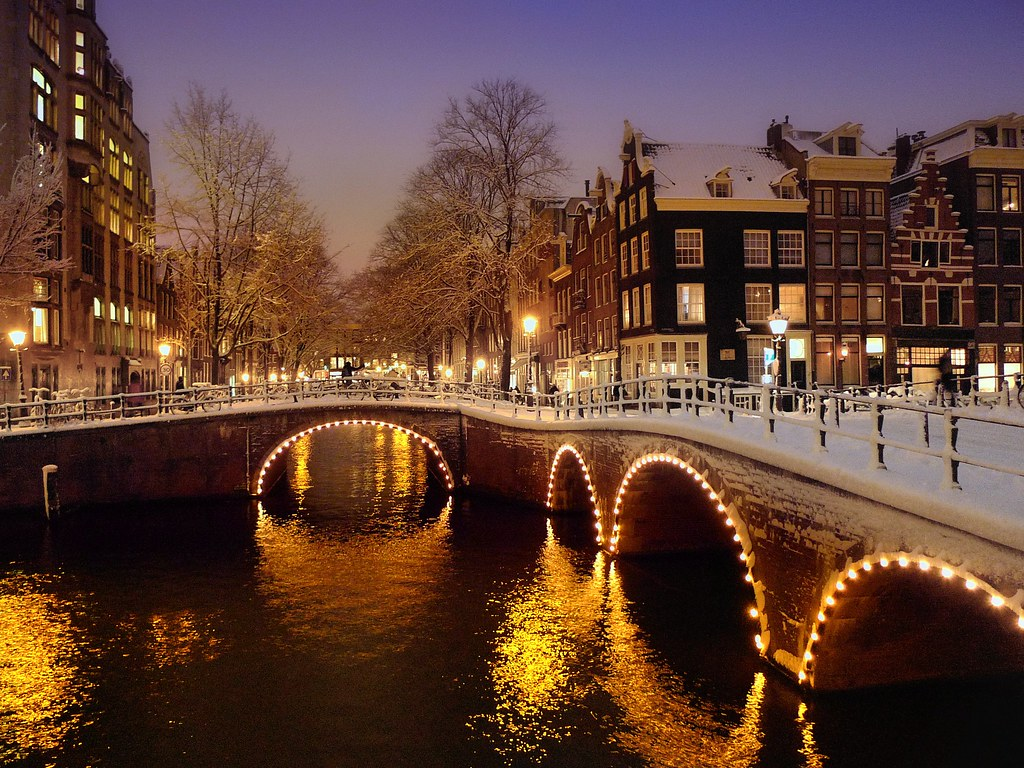 A Beautiful Wintry Evening In Centre Of Amsterdam 169 All