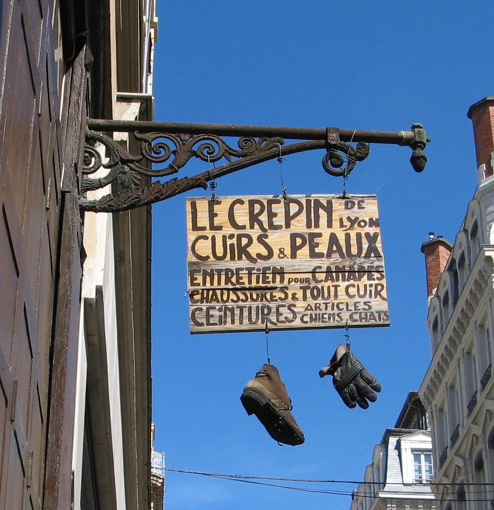 640a2f365246 Cuirs et peaux Le Crépin de Lyon enseigne   christine.petitjean   Flickr